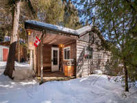 Tobermory Listing for Sale - WATERFRONT COTTAGE NEAR TOBERMORY - 61 SIMPSON AVENUE